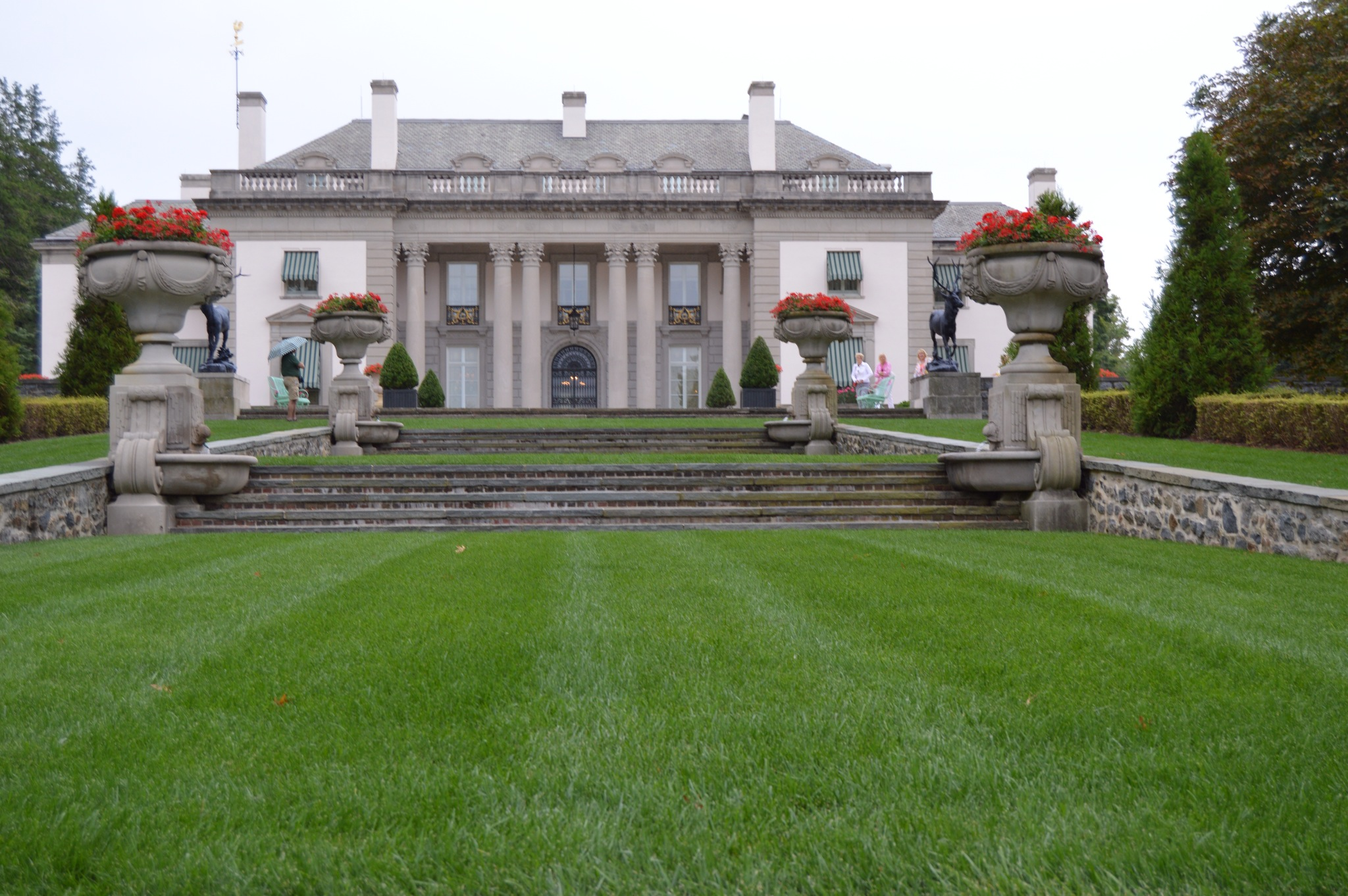 Nemours a french inspired mansion and gardens the for Dupont house